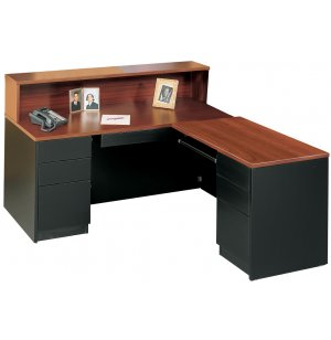 Milan L Desk, Right