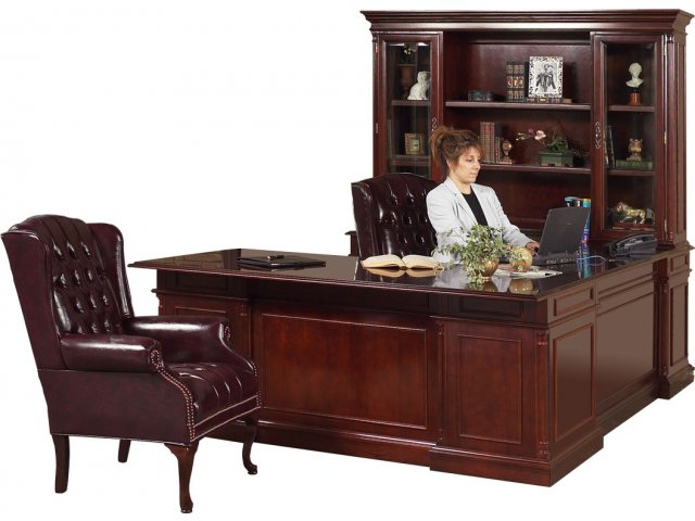 Executive U Shaped Office Desk W Left Credenza