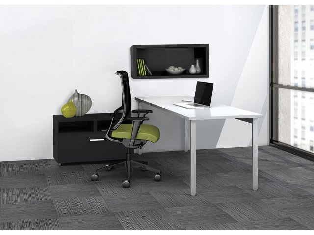 E5 Office 60 Desk With Hutch And Lateral File