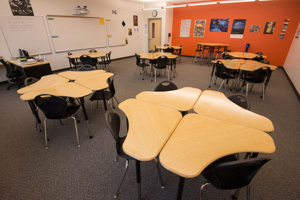 Collaborative Classroom Benefits ~ Collaborative desks ideal for the classroom